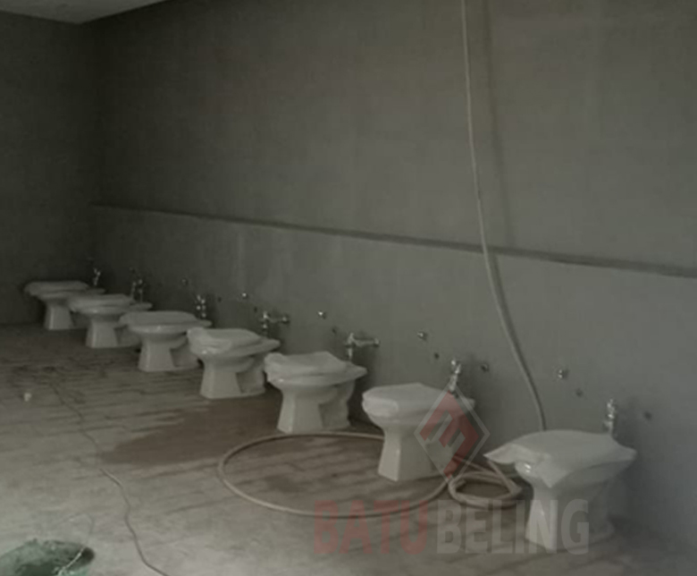 Toilet Cubicl di PT. Adis Dimension Footwear - Serang