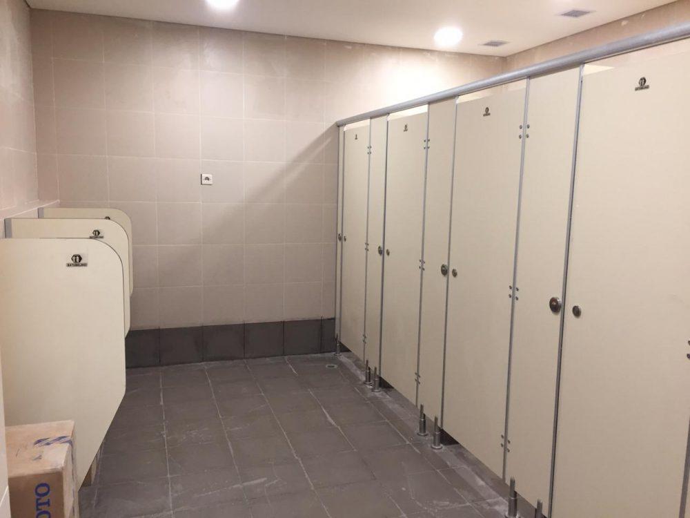 cubicle toilet phenolic