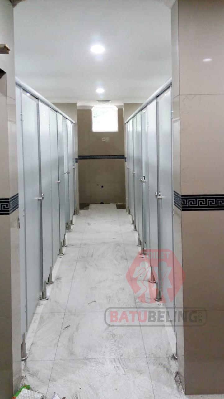 cubicle toilet akamigas cepu